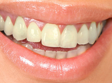 2pcs-Teeth-Whitening-Pen-powder-to-wash-the-yellow-teeth-tartar-smoke-stains-teeth-cleaning-in 2